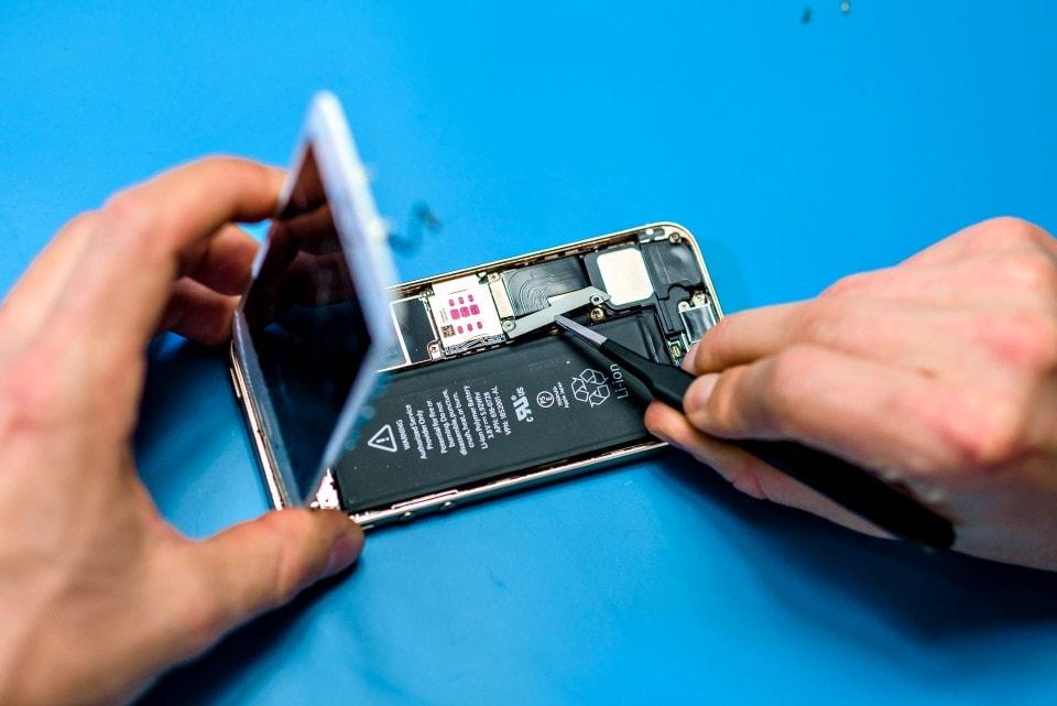 iPhone 5s kijelző csere, hibás kijelző javítása iSamurai